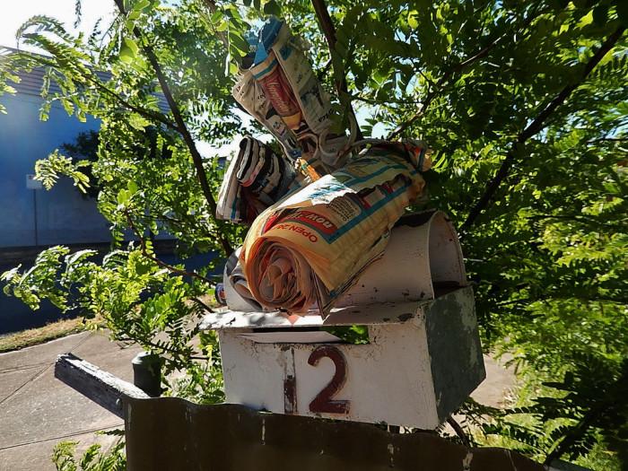 En full postkasse gir en god indikasjon på at huset står tomt.