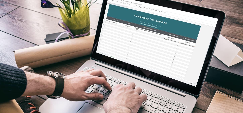 Fremdriftsplan på laptop