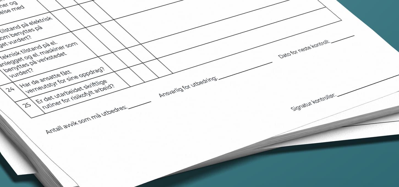 Risikovurdering-skjema med felt for avvik, ansvarlig, og signatur